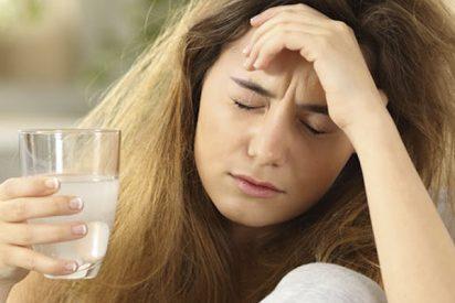 Cinco remedios populares para la resaca revisados por expertos