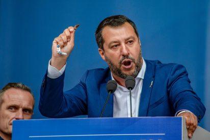 """El italiano Salvini sacude a la antisistema Ada Colau: """"¡Abre tu puerto al Open Arms!"""""""
