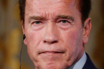 Schwarzenegger comparte nuevas imágenes del momento en que lo atacaron con una patada voladora durante un evento deportivo