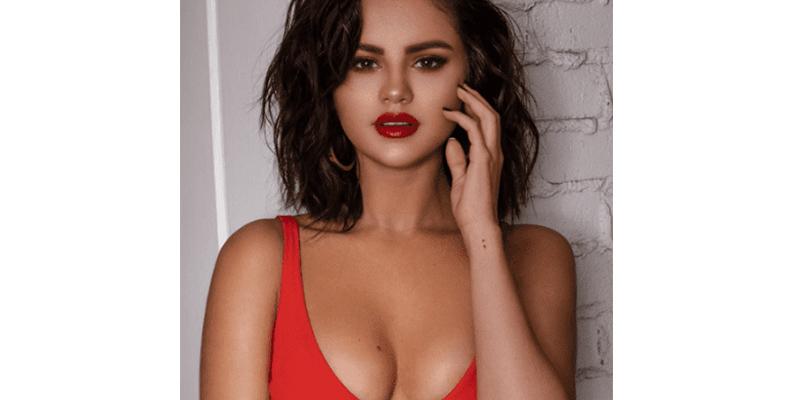 Selena Gomez se viste de 'vaquerita sexy' y posa con una amiga 'muy fiera'