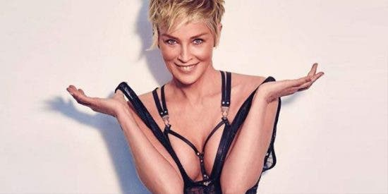 Sharon Stone posa a los 61 en topless después de que en Hollywood le dijeran que ya no era 'follable'