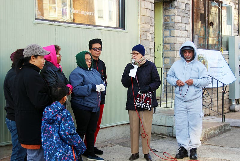 Feligreses montan un 'Rosario-móvil' para rezar por los barrios marginales de Filadelfia