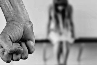 """El 'club secreto de las mujeres maltratadas': El grupo de Facebook para """"advertir a otras mujeres"""" de sus exparejas"""