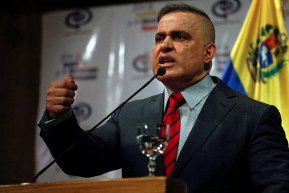 """El fiscal general chavista se atraganta en un sinsentido ante la pregunta: """"¿El régimen no se atreve a detener a Juan Guaidó?"""""""