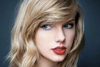 Taylor Swift despertó bajas pasiones con su jumpsuit azul