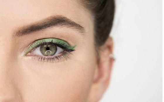 La técnica permite operar de cataratas dos ojos en la misma cirugía y recuperar la visión ese día