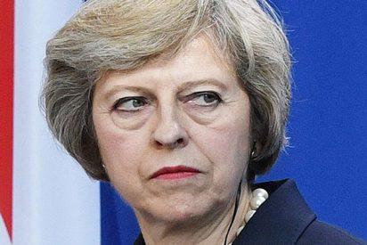 Theresa May da vía libre para el desastre en Gran Bretaña y el desorden en la UE