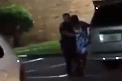 """""""Estoy embarazada"""": El desesperado grito de una mujer antes de ser acribillada a tiros por un policía"""