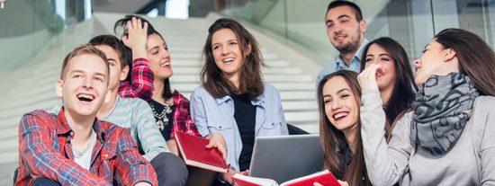 Las carreras universitarias con los mejores y peores sueldos en el mercado laboral antes de cumplir los 30