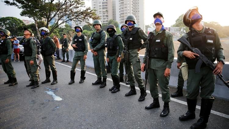 General de la Operación Libertad está preso en la misma celda donde él enviaba a oficiales torturados por no apoyar a Maduro