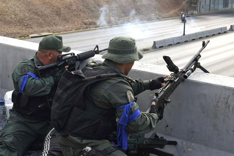 Dos oficiales que participaron del alzamiento militar contra Maduro: La Operación Libertad sigue viva