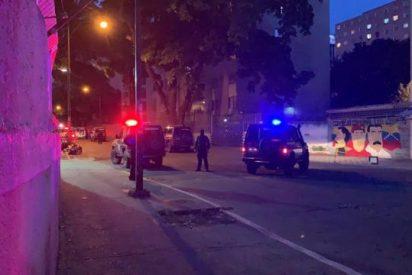 Encerrado en un coche y arrastrado por una grúa: La brutal detención de un diputado de Guaidó