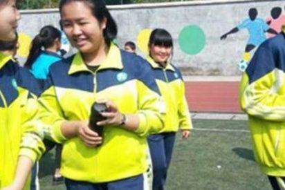 Con este uniforme los chino intentarán evitar el absentismo escolar