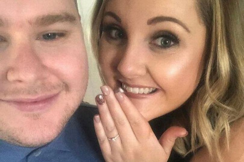 "Una historia de amor en Tinder: Mandó una ""oferta de empleo"" y ahora se van a casar"