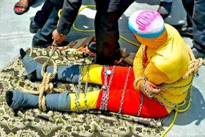 Mago indio muere intentando el truco del río al estilo Houdini