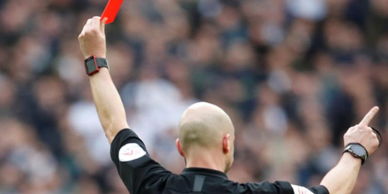 Encarcelan a un futbolista que desfiguró el rostro de un árbitro de un puñetazo