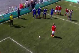 Leyendas del fútbol europeo juegan este curioso amistoso en San Petersburgo