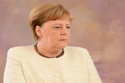 ¿Qué le pasa a Angela Merkel para temblar tanto?