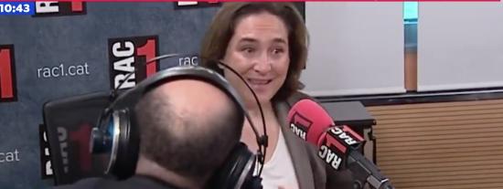 Ada Colau rompe a llorar en RAC1 a ver si así recupera crédito -o pena- de los independentistas