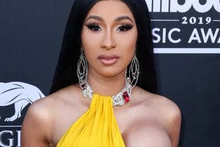 Cardi B en bikini parece sacada de un documental de focas de National Geographic
