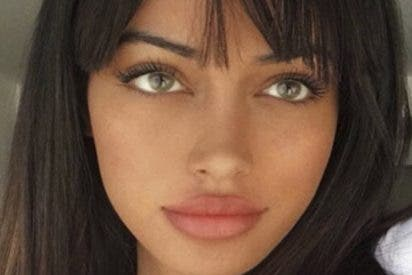 Cindy Kimberly se va a la playa a 'montar'