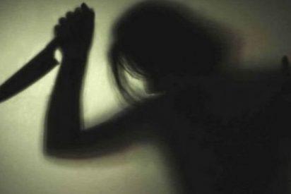 ¡Un adolescente le corta el cuello a su novia en un ritual satánico 'para obtener poderes sobrenaturales'!