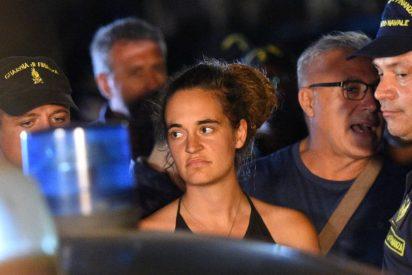 El 'Sea Watch' atraca en Lampedusa sin permiso y su capitana es detenida por la policía italiana