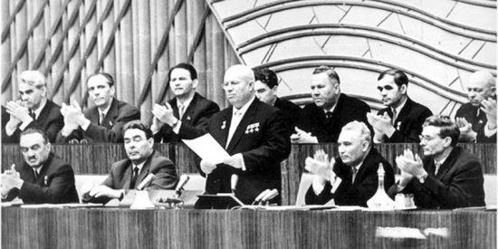 Kruchev en XX Congreso del PCUS, en 1956, con el que emepezó en la URSS la 'desestalinización'.