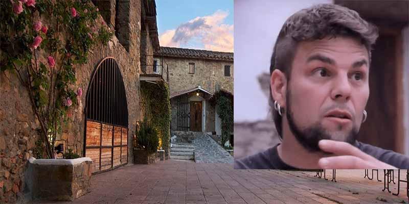 Gerona: El restaurante 'La Barricona' se niega a servir a un cliente por llevar un polo con la bandera de España