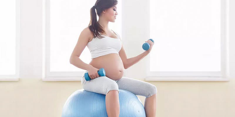 Si alguien te dijo que cuando estas embarazada debes comer por dos: simplemente ¡te mintió!