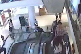 Este adolescente muere tras caer mientras intentaba realizar equilibrios en unas escaleras mecánicas