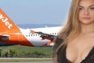 Expulsan a esta chica de un avión por llevar una blusa demasiado escotada y con transparencias