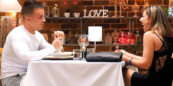 """Este 'cachondo' de 'First Dates' dice a su cita que en el capó de su descapotable se """"empotra muy bien"""""""