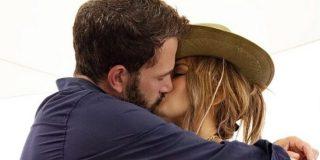 Jennifer Lopez celebra cumpleaños presumiendo de sus 52 'tacos', su cuerpo y su novio Ben Affleck