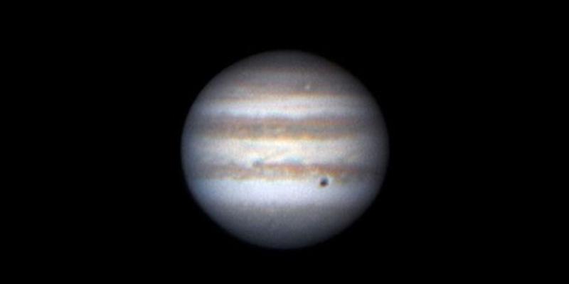 El espectacular acercamiento de Júpiter a la Tierra permite ver sus lunas sin necesidad de telescopios