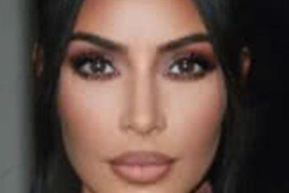 Esto es lo que pasa cuando Kim Kardashian sale de la piscina con una camiseta mojada sin sujetador