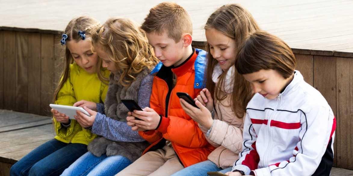 ¿A qué edad debe mi hijo tener su propio teléfono móvil?