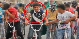 Esta protesta en bici cuando tenía 10 años pudo costarle la vida a este joven saudí