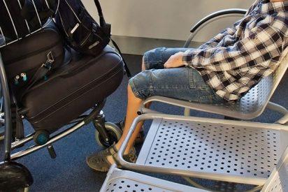 Madre muy despistada olvida a su hijo autista en el aeropuerto y se da cuenta al llegar a su destino
