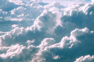 Graban esta gigantesca nube que 'corta' el cielo por la mitad en Dinamarca