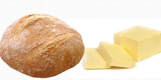 ¿Puede un restaurante cobrarme el pan con mantequilla si no lo he pedido?