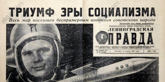 Pravda celebrando el éxito del cosmonauta Gagarin