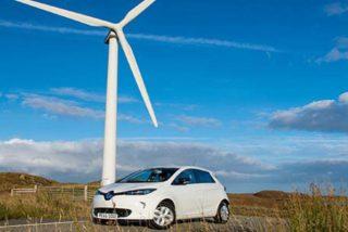 Endesa instala enchufes en sus parques eólicos para cargar los coches eléctricos