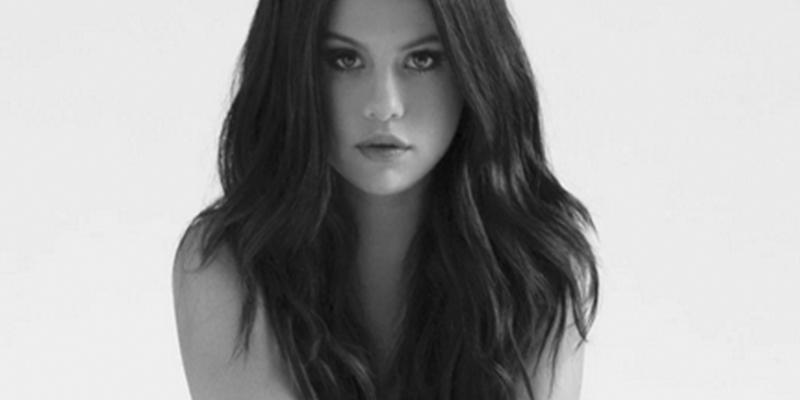 El Book Perdido De Selena Gómez Donde Posa Desnuda Antes De Ser