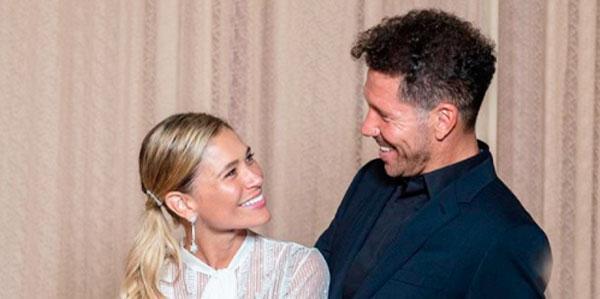 Mientras tiene lugar la boda de Sergio Ramos y Pilar Rubio, Diego Simeone se ha casado en secreto con su novia Carla Pereyra