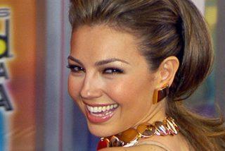 Thalía publica un baile improvisado en una tienda y la Red no perdona