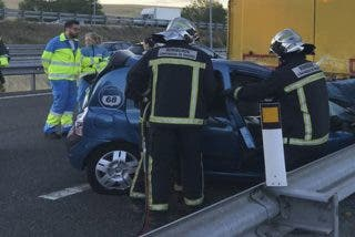 ¿Sabes cómo debes salir de tu coche en caso de sufrir un accidente?