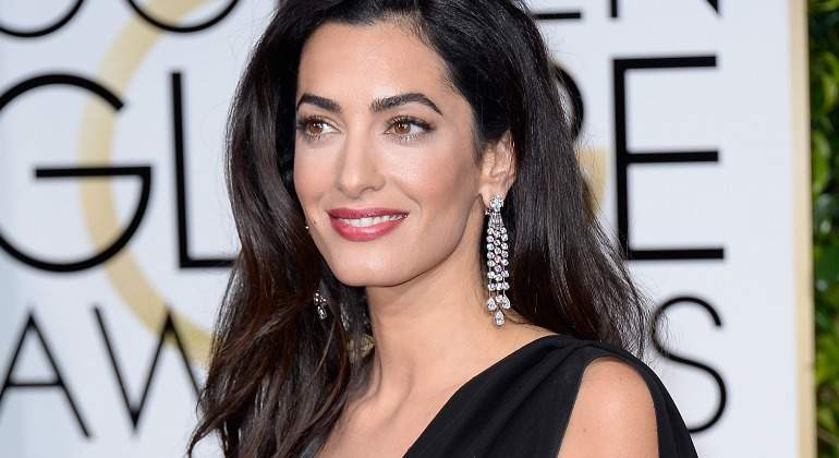 """Amal Clooney alerta del """"declive"""" actual de Derechos Humanos de mujeres, gays y periodistas"""