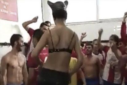 El club de fútbol Esportiu Llançà se disculpa tras viralizarse su fiesta con una 'stripper' disfrazada de Catwoman