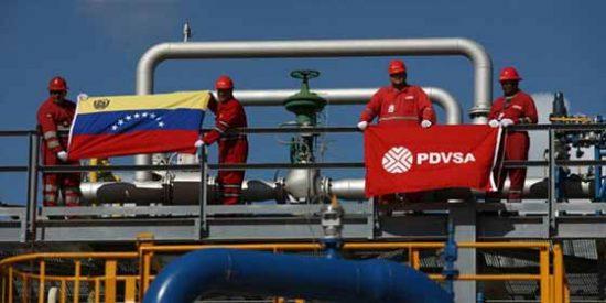 Trabajadores de PDVSA: Venezuela a un mes de quedarse sin gasolina,